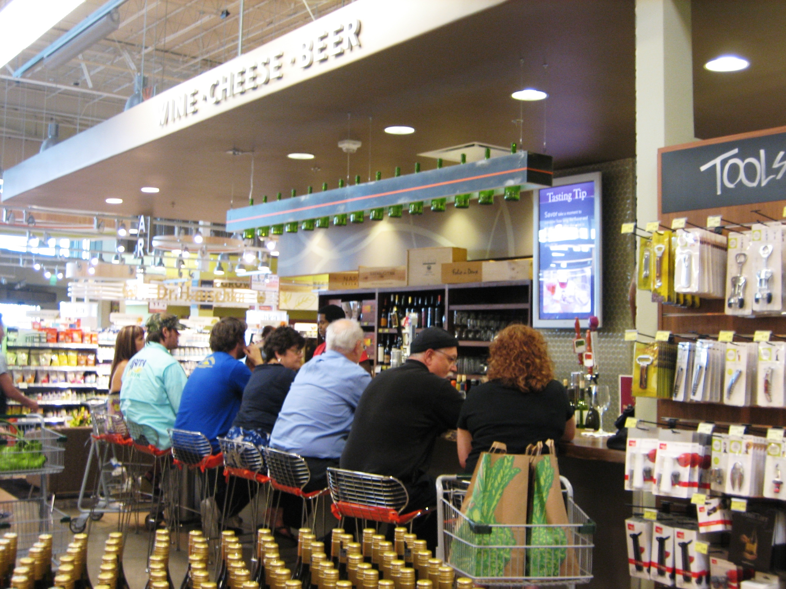 The Park Lane Whole Foods bar is a delicious experiment - Preston Hollow