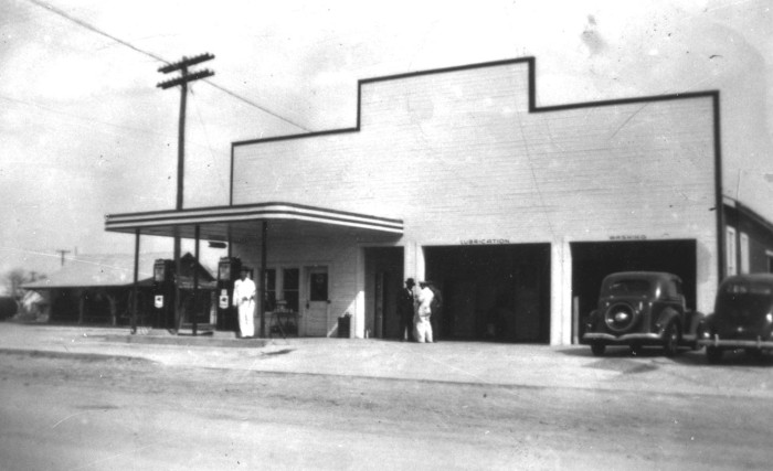 A typical filling station, long before self-serve: University of North Texas Libraries, The Portal to Texas History, The Williamson Museum, Georgetown, Texas