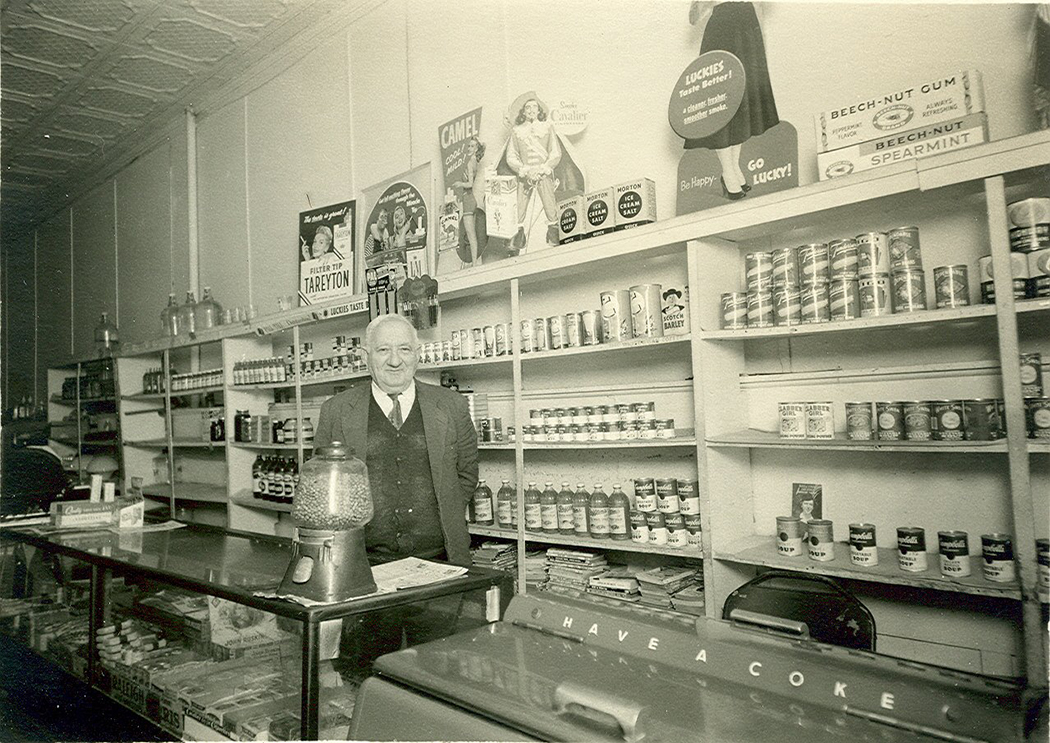 Wolf Reisberg's grocery store. (Photo courtesy of The Dallas Jewish Historical Society)